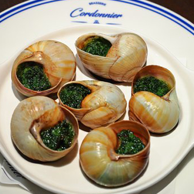 "CLASSICAL RECIPE ""SNAILS IN BURGUNDY"""